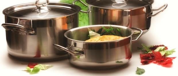 Самая необходимая посуда на кухне.
